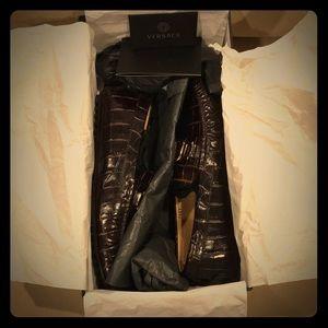 Versace crocodile embossed logo loafers 💥💥💥